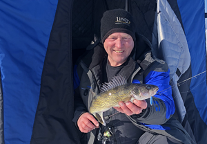 image of Jeff Sundin links to fishing report from Lake of the Woods