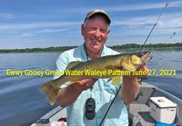 image of walleye guide Jeff Sundin holding nice fish