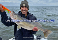 image links to fishing report from Lake of the Woods