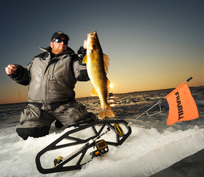 Tip up fishing on ice for northern pike and walleye for Tip up fishing